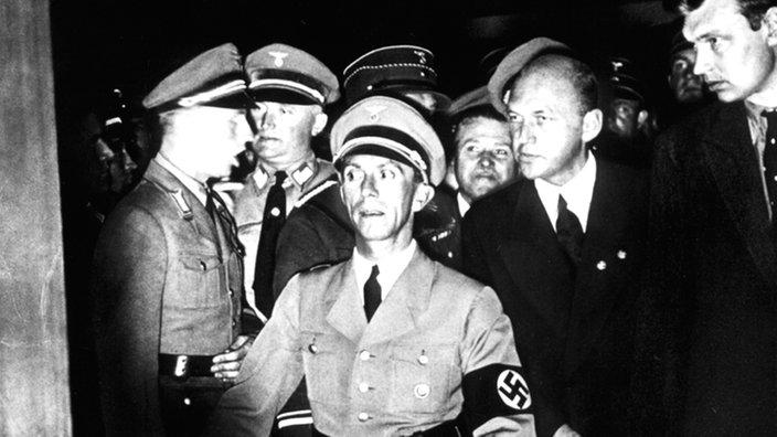 Citaten Hitler Xl : Hörfunk und fernsehen in der nazi zeit quot das bild des
