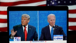 Donald Trump und Joe Biden vor US-Flagge