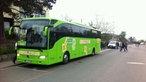 Fernbus wartet in Bielefeld auf die Abfahrt