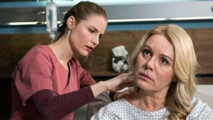 Julia Berger kümmert sich um ihre Mutter.