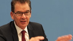 Portrait Entwicklungsminister Gerd Müller