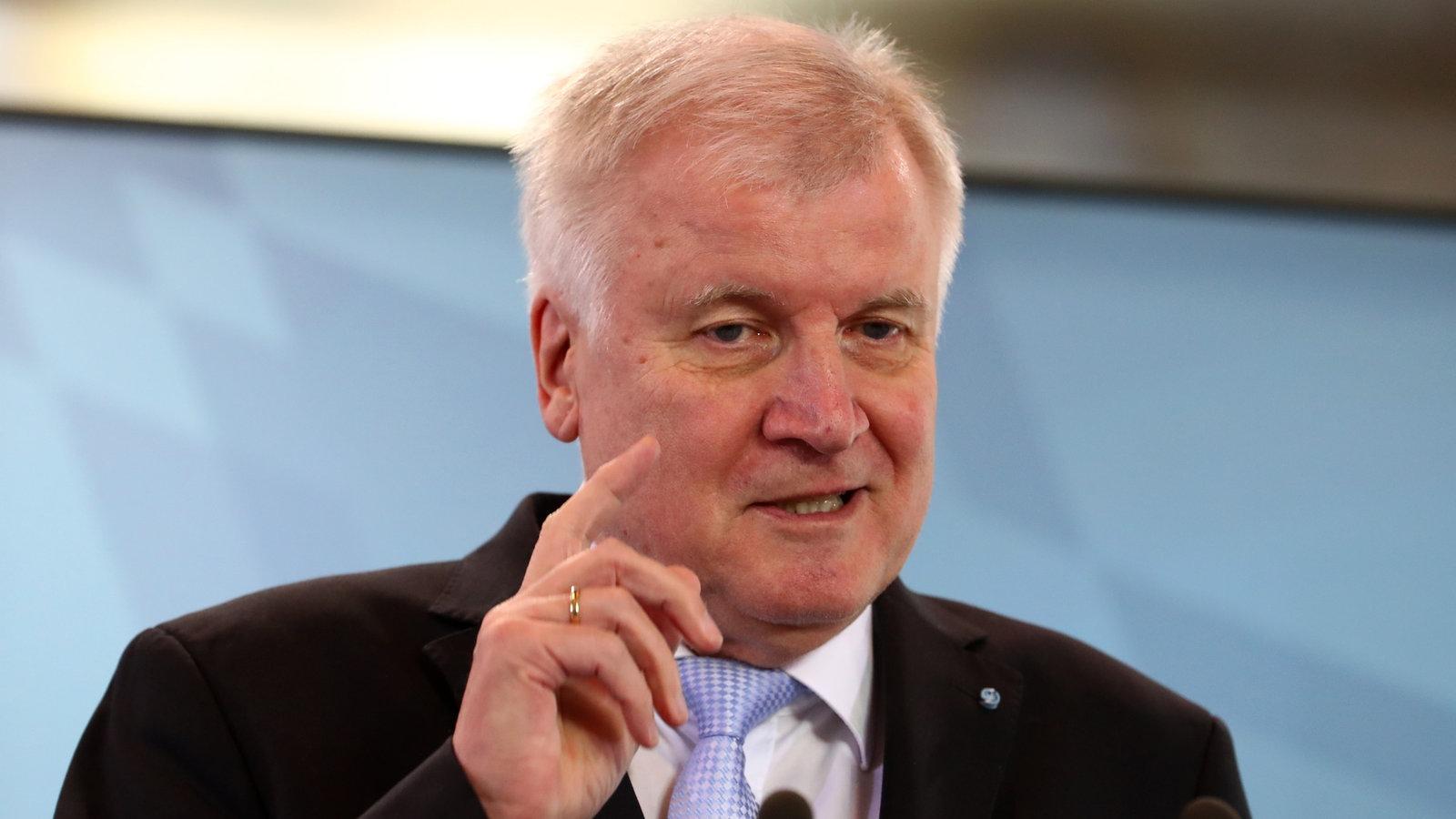 Die totale Überwachung: Seehofers Pläne für Deutschland