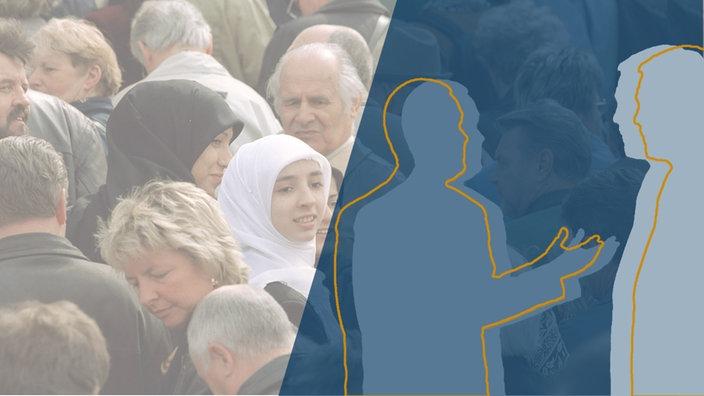 Frauen mit Kopftuch steht inmitten einer Menschenmenge