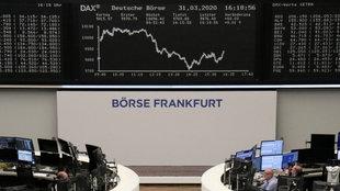 Anzeige des DAX-Kurses an der Frankfurter Börse am 31. März 2020.