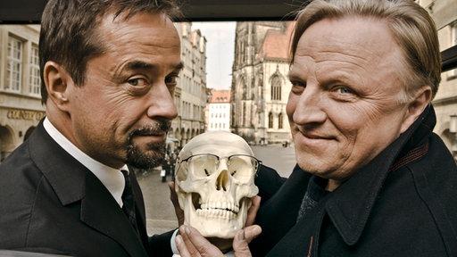Der Pathologe Professor Karl-Friedrich Boerne (Jan Josef Liefers) und Hauptkommissar Frank Thiel (Axel Prahl) ermitteln für den WDR am Tatort in Münster.