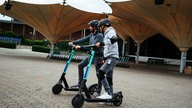 1LIVE DIE BOX: DAS GROSSE 1LIVE E-SCOOTER FORMATIONSFAHREN