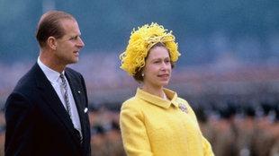 Queen Elisabeth II. vor der Villa Hammerschmidt