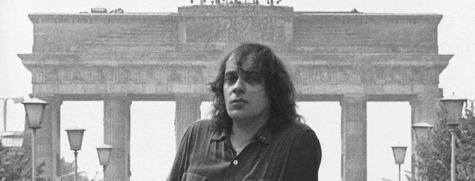 Udo Lindenberg, der am 25. Oktober 1983 im Ostberliner Palast der Republik seinen ersten Auftritt in der DDR haben wird,