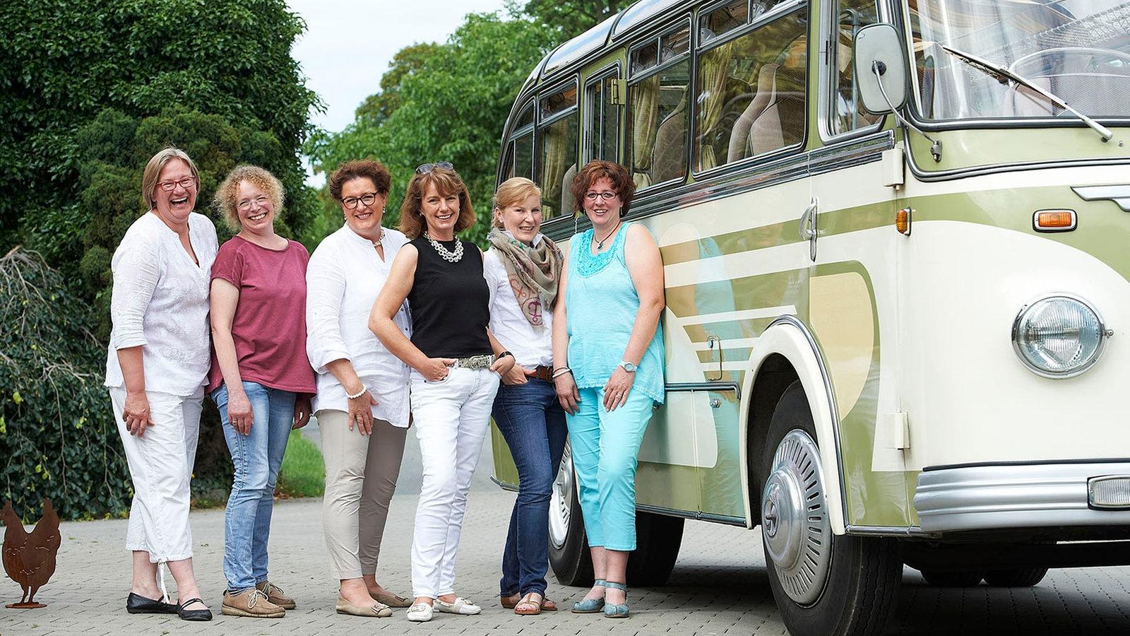 land lecker landfrauen auf kulinarischer tour land. Black Bedroom Furniture Sets. Home Design Ideas