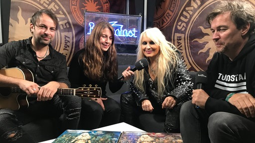 Doro backstage beim Summer Breeze 2018