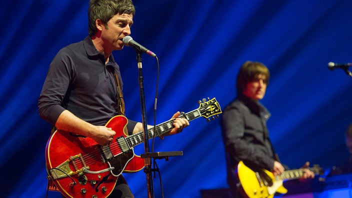 noel gallagher's high flying birds in der mitsubishi