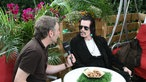 Willy DeVille Backstage während eines Interviews