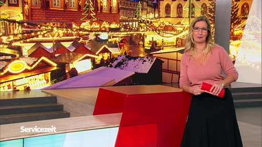 Moderatorin Yvonne Willicks im SZ-Studio
