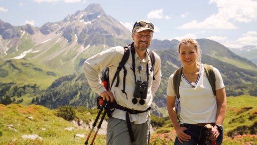 Andrea Grießmann und Henning Werth, im Hintergrund Alpenpanorama