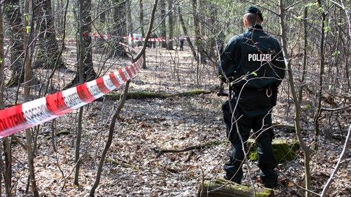 Polizist im Hambacher Forst