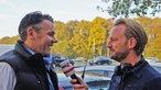 WDR2 Hörer Michael Puhe im Gespräch mit Reporter Jörg Steinkamp