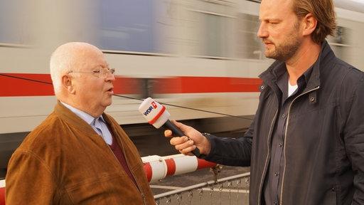 Berzirksvorsteher Udo Schulte WDR2 Reporter Jörg Steinkamp in Hamm
