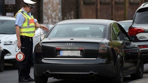 Illegales Autorennen, Polizeikontrolle