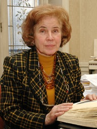 Beate Klarsfeld in ihrem Büro in Paris