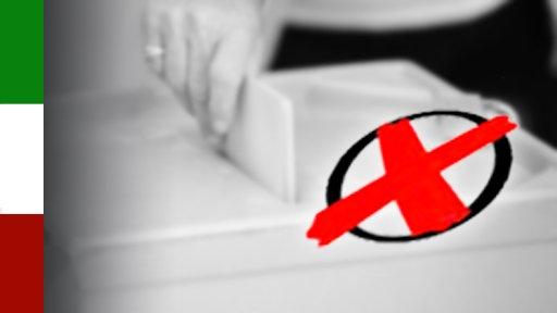 Wahlkreuz vor Wahlzettel