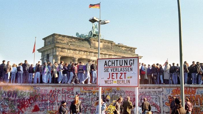 Berliner Mauer: 9. November - DDR - Geschichte - Planet Wissen