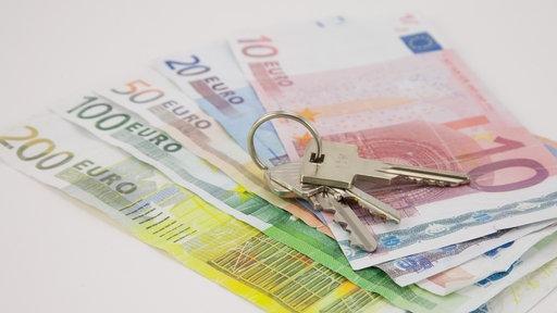 Wohnungen gibt es nur gegen viel Geld