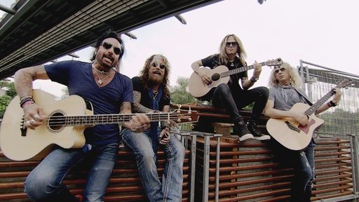 "Snapshot Unplugged: The Dead Daisies - ""With You And I"""