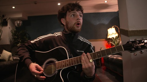 Unplugged: Tom Grennan