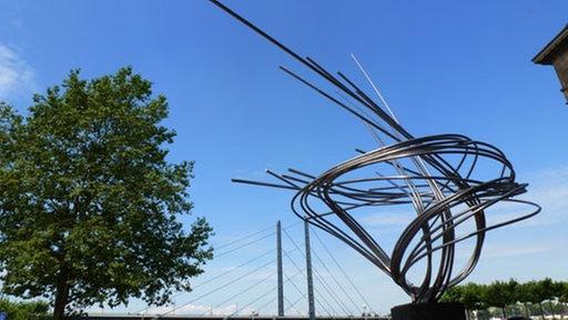 Norbert kricke gro e mannesmann d sseldorf kunst for Minimal art eine kritische retrospektive