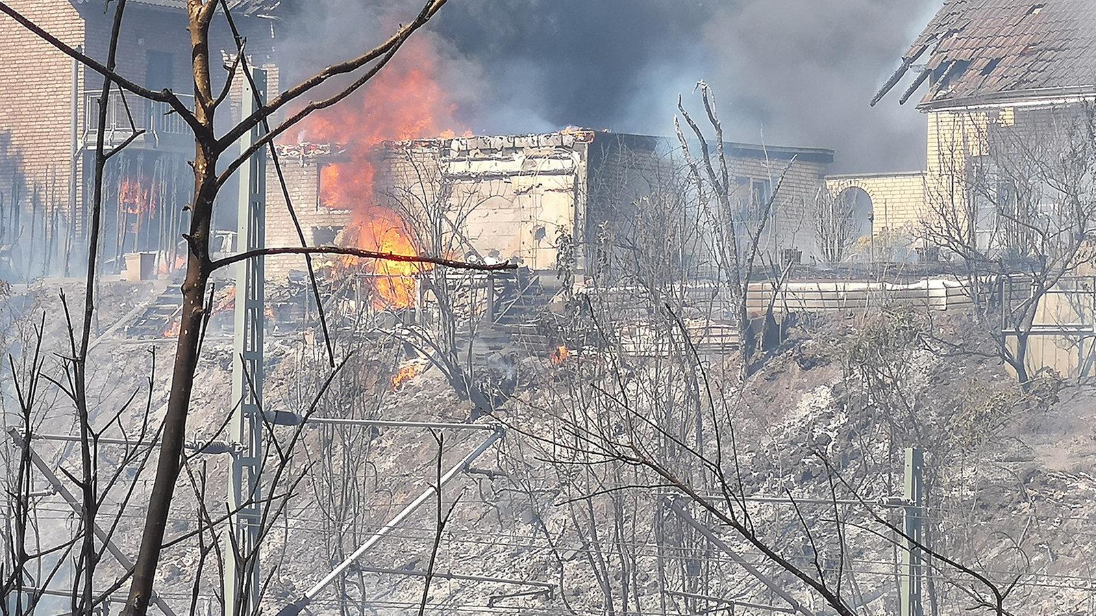 Viele Verletzte bei Brand an ICE-Strecke in Siegburg