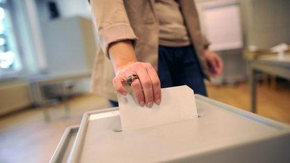 Wahlurne   dpa