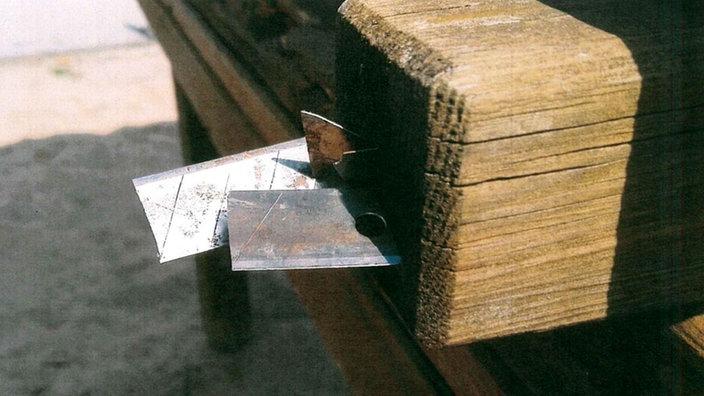 Klettergerüst Pyramide : Messerklingen in leverkusener klettergerüst rheinland
