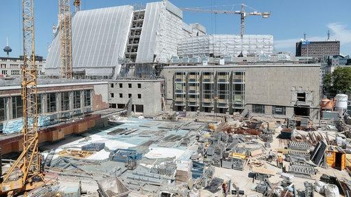 Bühnen der Stadt Köln wird seit Juni 2012 das Opernhaus umgebaut und renoviert