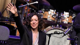 Luciana Souza mit der WDR Big Band in der Essener Philharmonie