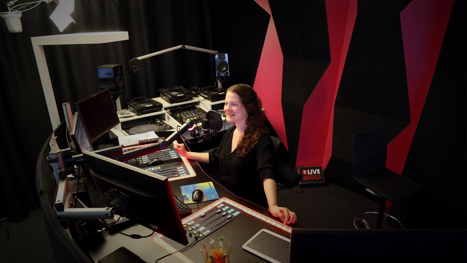 1 Live Studio
