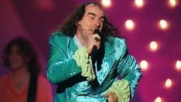 Guildo Horn beim Auftritt auf dem ESC 1998; Rechte: dpa/Katja Lenz