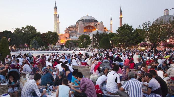 Ramadan: Fastenbrechen in Istanbul