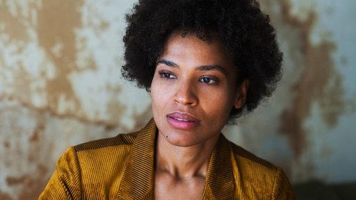 Ein Foto von der Schauspielerin Cynthia Micas.