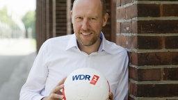 Sven Pistor hält den Ball nicht flach; Rechte: WDR/ Sachs