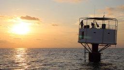 Prototyp einer Wohnkapsel im Meer
