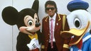 Michael Jackson mit Donald Duck und Mickey Mouse in Disneyland 1987