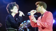 Lisa Stansfield und George Michael beim Gedenkkonzert an Freddie Mercury am 20.April 1992 im Londoner Wembley Stadion