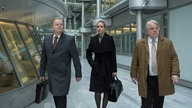 "(v.l.n.r.) Herbert Grönemeyer, Nina Hoss und Philip Seymour in ""A Most Wanted Man"" (2014)"