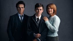 amie Parker als Harry Potter (l-r), Sam Clemmett als Albus Potter und Poppy Miller als Ginny, Hauptcharaktere in «Harry Potter and the Cursed Child»