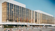 Palast der Republik, 1976