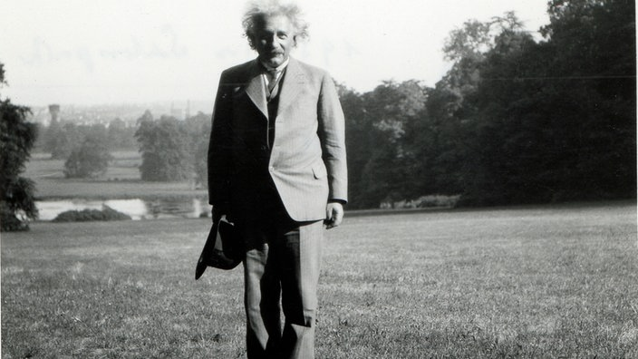 Albert Einstein in Laeken, Belgien, 1933