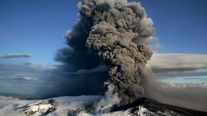 Ausbruch des isl...V Is For Volcano