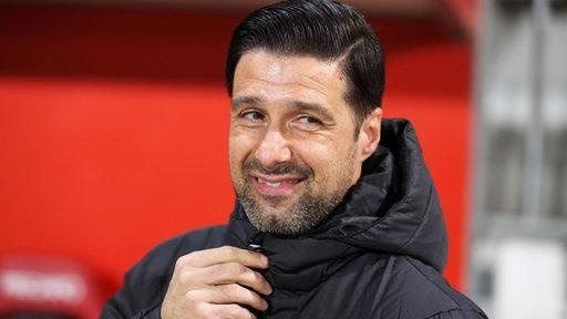 Ilia Gruev, Trainer des MSV Duisburg, lächelt