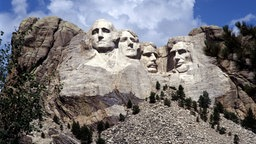 "Das ""Mount Rushmore National Memorial"" mit den Büsten der US-Präsidenten (v.l.n.r.) George Washington, Thomas Jefferson, Theodore Roosevelt und Abraham Lincoln"