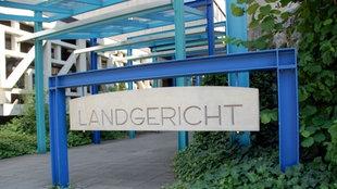Vodereingang des Landgerichts Bielefeld